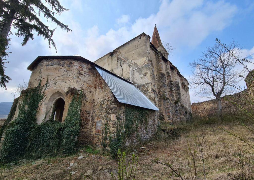 Chor, Sakristei und Nordfassade der Kirche von Dobring