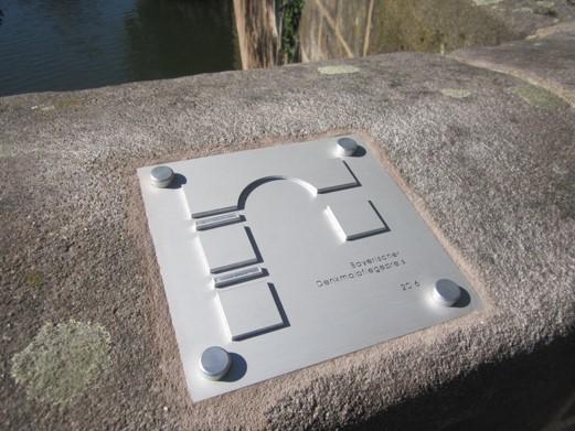 Plakette Bayerischer Denkmalpreis 2016 fuer das Sanierungskonzept Untere Karlsbruecke in Nuernberg_3